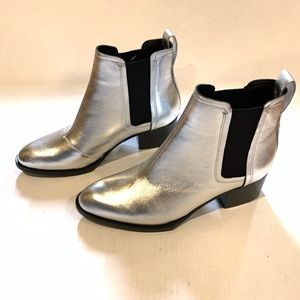 Rag and bone silver ankle booties size 8.5